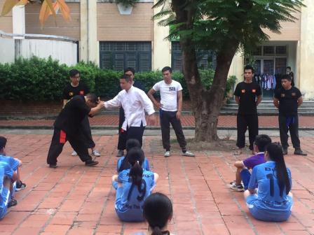 Triệt Quyền Đạo Việt Nam hỗ trợ huấn luyện Võ Thuật Tự Vệ cho các bạn Sinh Viên Tình Nguyện, Trường ĐHSP HN