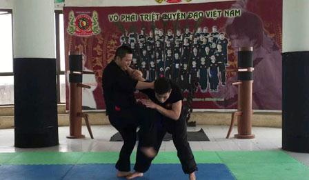 Triệt Quyền Đạo Việt Nam - 10 đòn đối luyện căn bản dành cho đai xanh